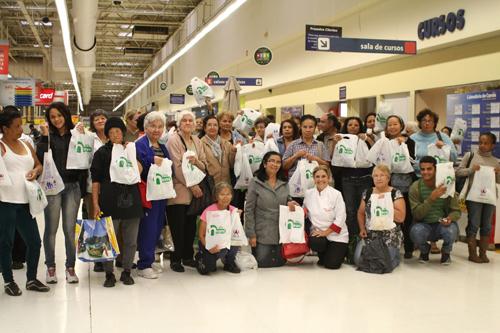 Curso de culinária no Walmart é sucesso entre as clientes