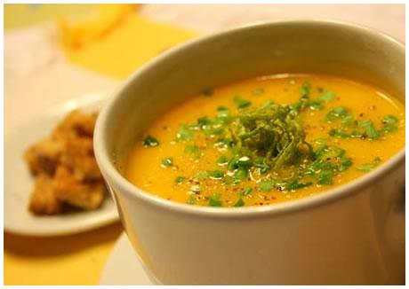 Sopa de cenoura saudável