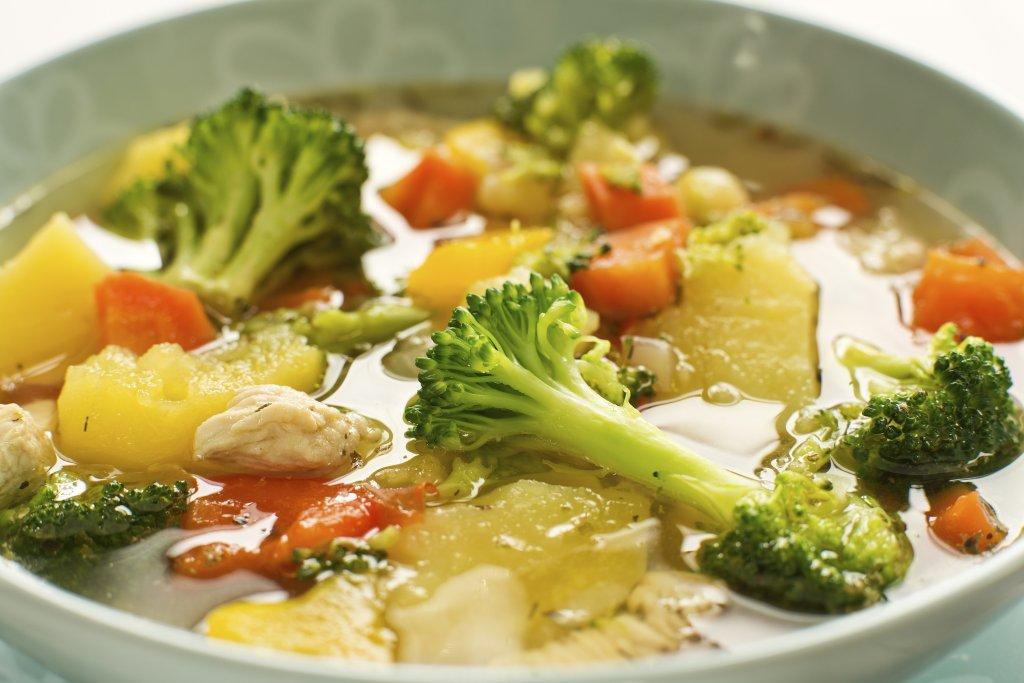 sopa-frango-legumes
